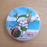 〈壁紙DL企画8月〉ふっかちゃん缶バッジ illustrated by GONSY/56mm